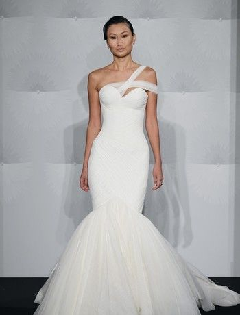 d253dbf97f38 Kleinfeld Bridal Mobile - The Largest Selection of Wedding Dresses on the  go!