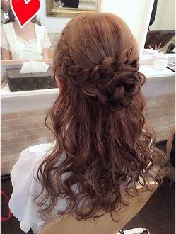 お花ハーフアップ 結婚式 ヘアスタイル お呼ばれ ロング 結婚式 お呼ばれ 髪型 ウエディング ヘア ハーフアップ