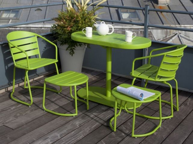 awesome 10 Decor Ideas to Make an Original Terrace  #best #Decoration #DIY #Flower #Garden #Outdoor #Pallet #Planter #Recycled #Terrace #Urban #VerticalGarden According to your desires and needs, the terrace can reinvent itself every summer with some deco and a few hours tinkering. First, set the mood for th...