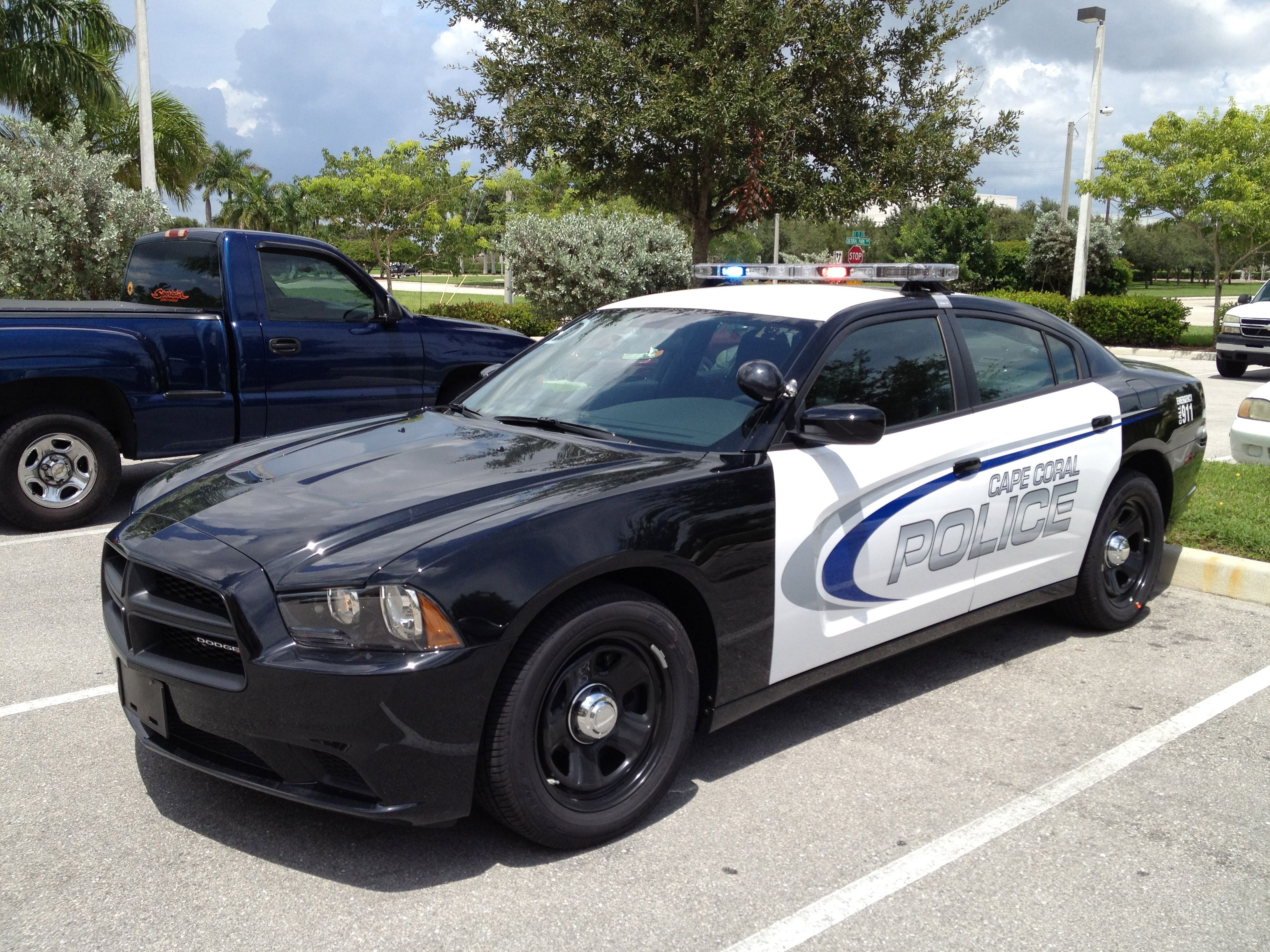 In 2012 The Cape Coral Police Department Began Its Transition To The 2013 Dodge Charger As Its Main Patrol Vehicle Police Cars Emergency Vehicles Dodge Charger