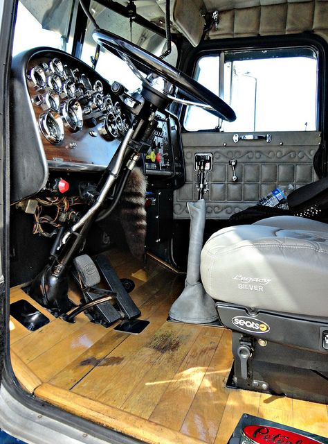 1987 peterbilt 359 interior cool trucks peterbilt 359 - Peterbilt 379 interior accessories ...