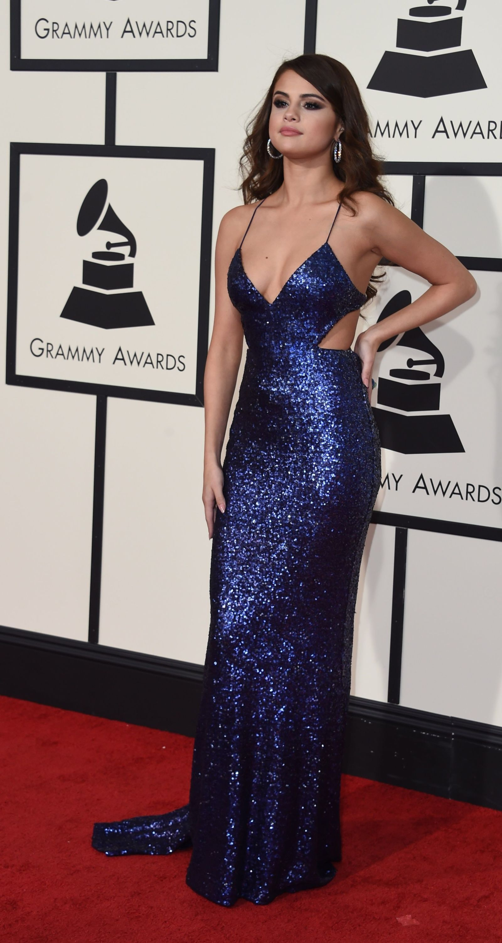 If You Think Selena Gomez s Grammys Dress is Hot From the Front ... 3a5844041694