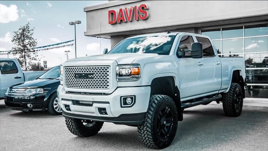 2015 Gmc Sierra Denali 2500hd W Bds 6 5 Lift 20 Wheels 37 Tires And Painted Grille Gmc Trucks Chevy Trucks Diesel Trucks