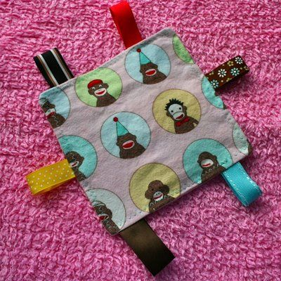 Joy's Hope: Baby crinkle square tutorial  I totally lub this.