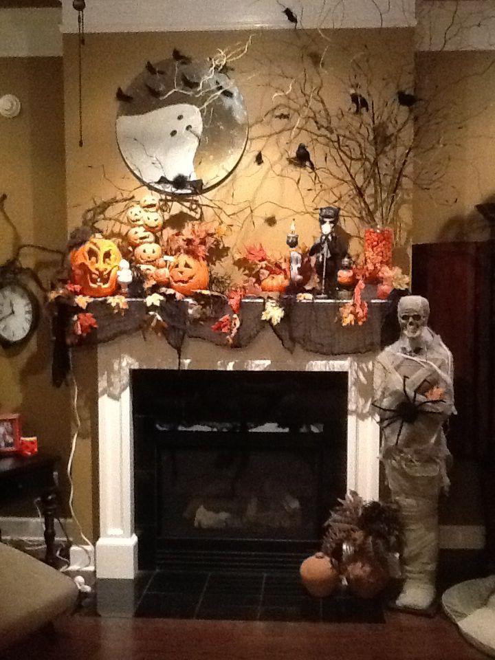 My Mantel Halloween In 2019 Halloween Decorations