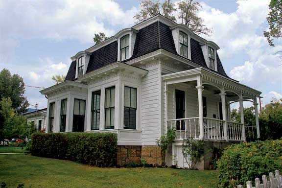 Frontier Victorians In Carson City Nevada Mansard Roof House Exterior House Roof