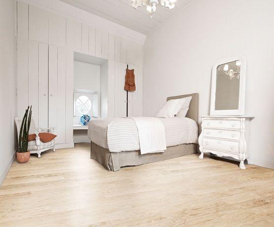 Cream Laminate Flooring Combined With White Bedroom Furniture Flooring Ideas Floor Design Tre White Bedroom Furniture White Painted Floors Bedroom Flooring