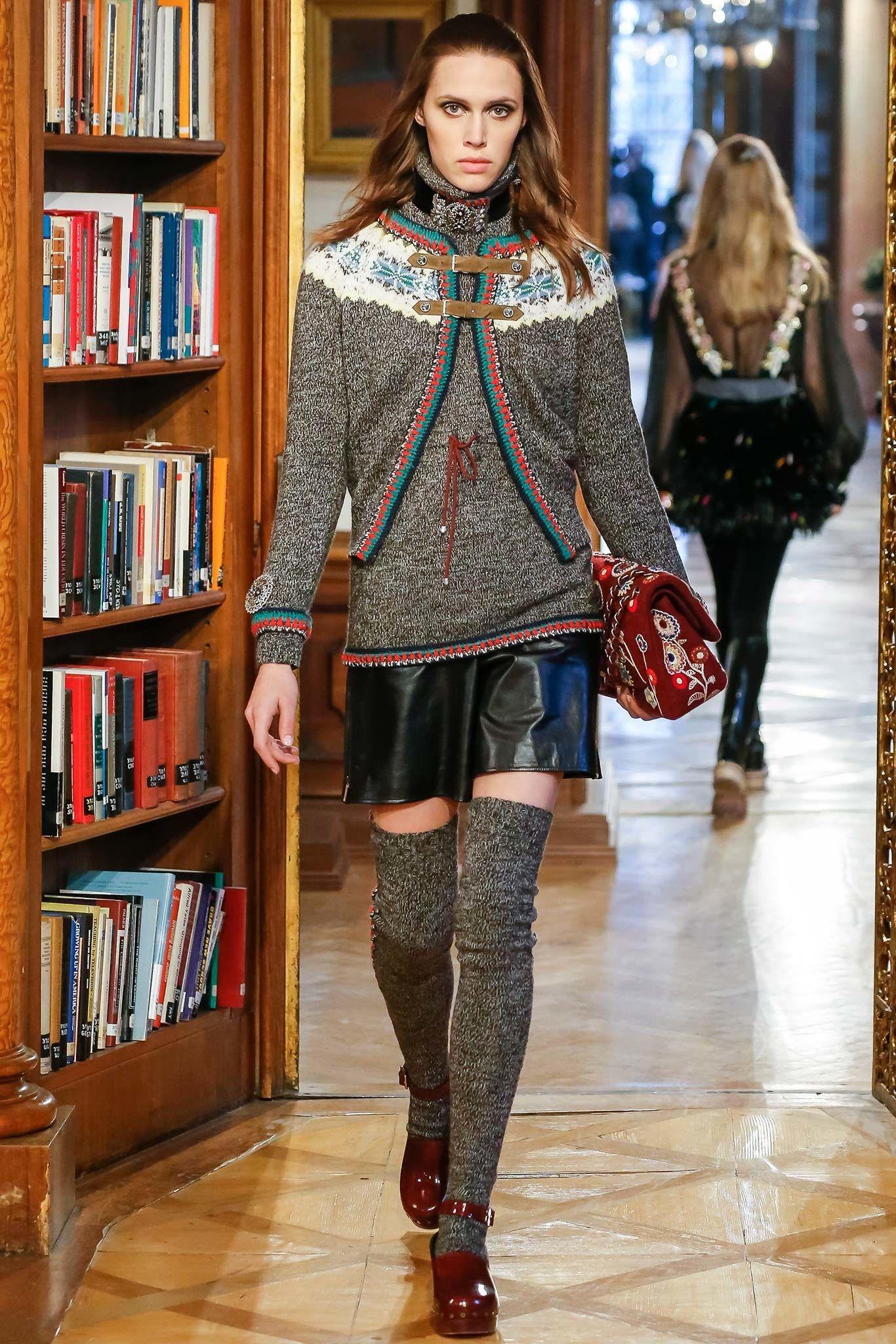 Chanel Pre-Fall 2015 Fashion Show - Georgia Hilmer