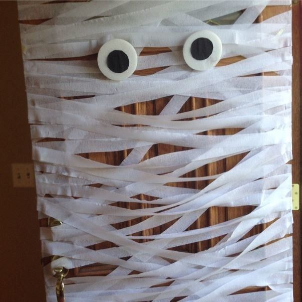 Mummy Door Paper streamers - scary door decorations for halloween