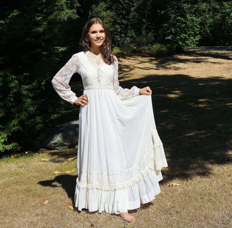 70 S Gunne Sax Prairie Boho Prairie Dress White Etsy Prairie Dress Dresses Black Maxi Dress [ 2951 x 3000 Pixel ]