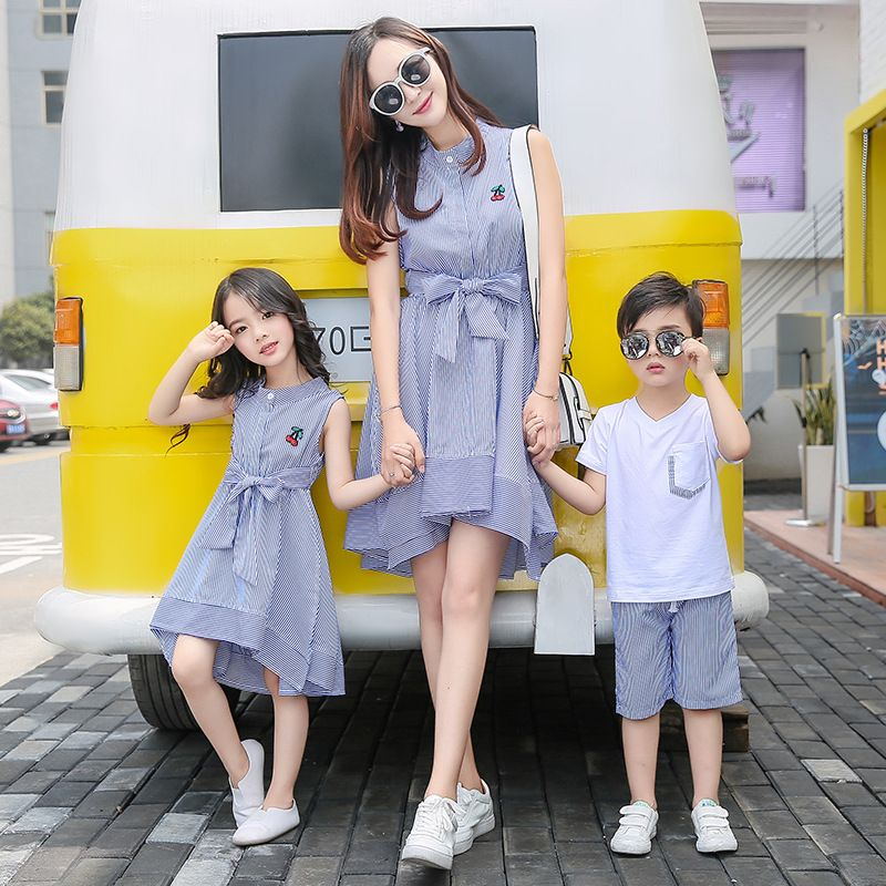 mother daughter dresses 2017 Family Matching Outfits striped dress family  clothing mother and daughter clothes son e4669233a965