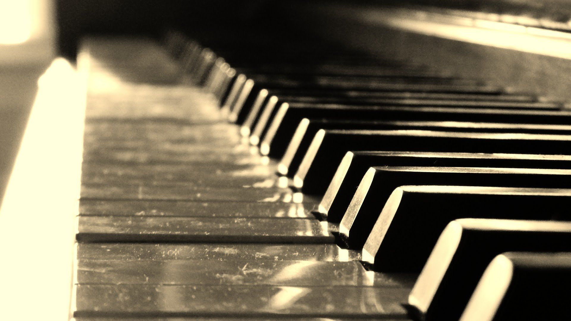 Piano Desktop Wallpapers and Artwork page