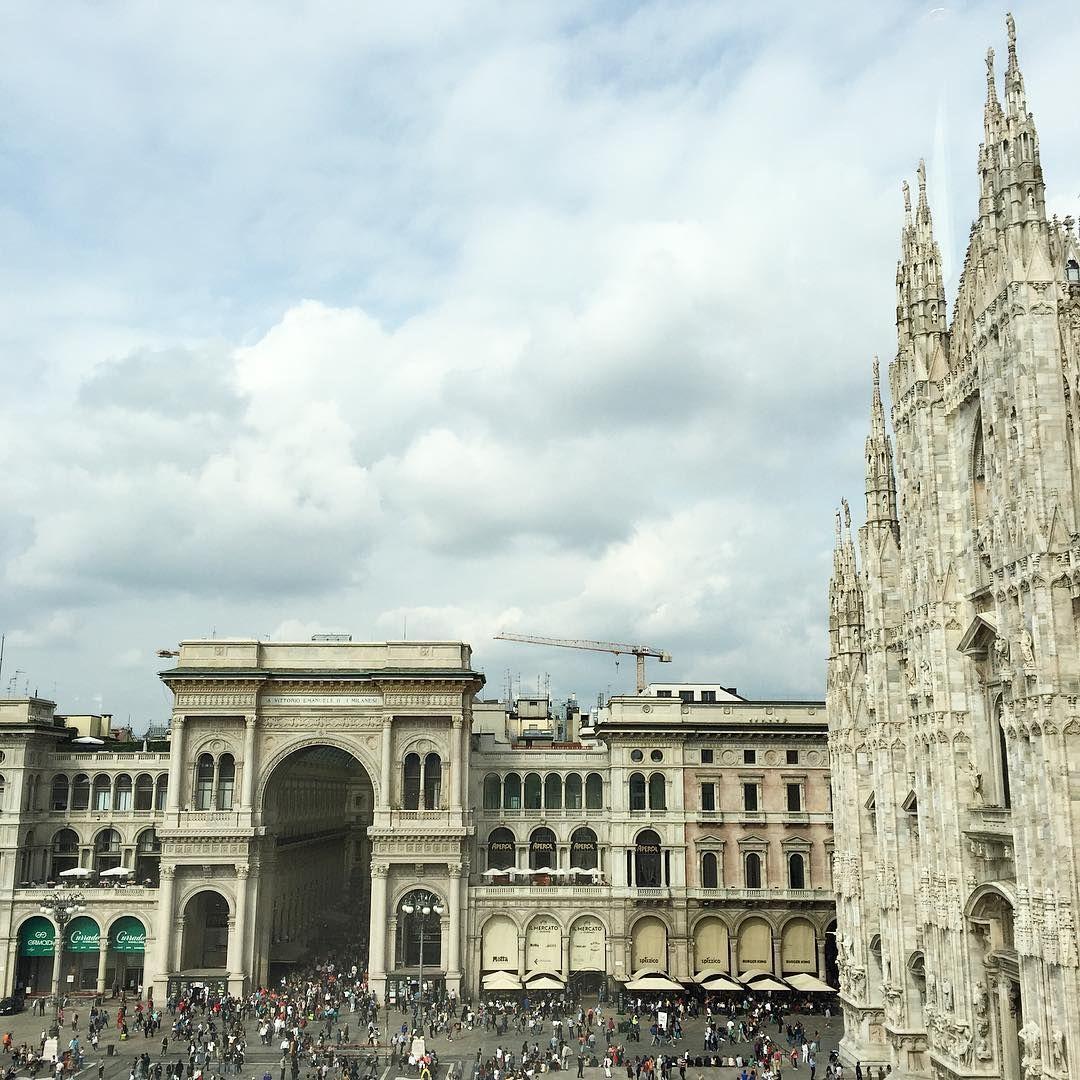 Scusatemi! Ma quanti siete?#tinypeopleinbigplaces #Milano by sicilianoalmassimo