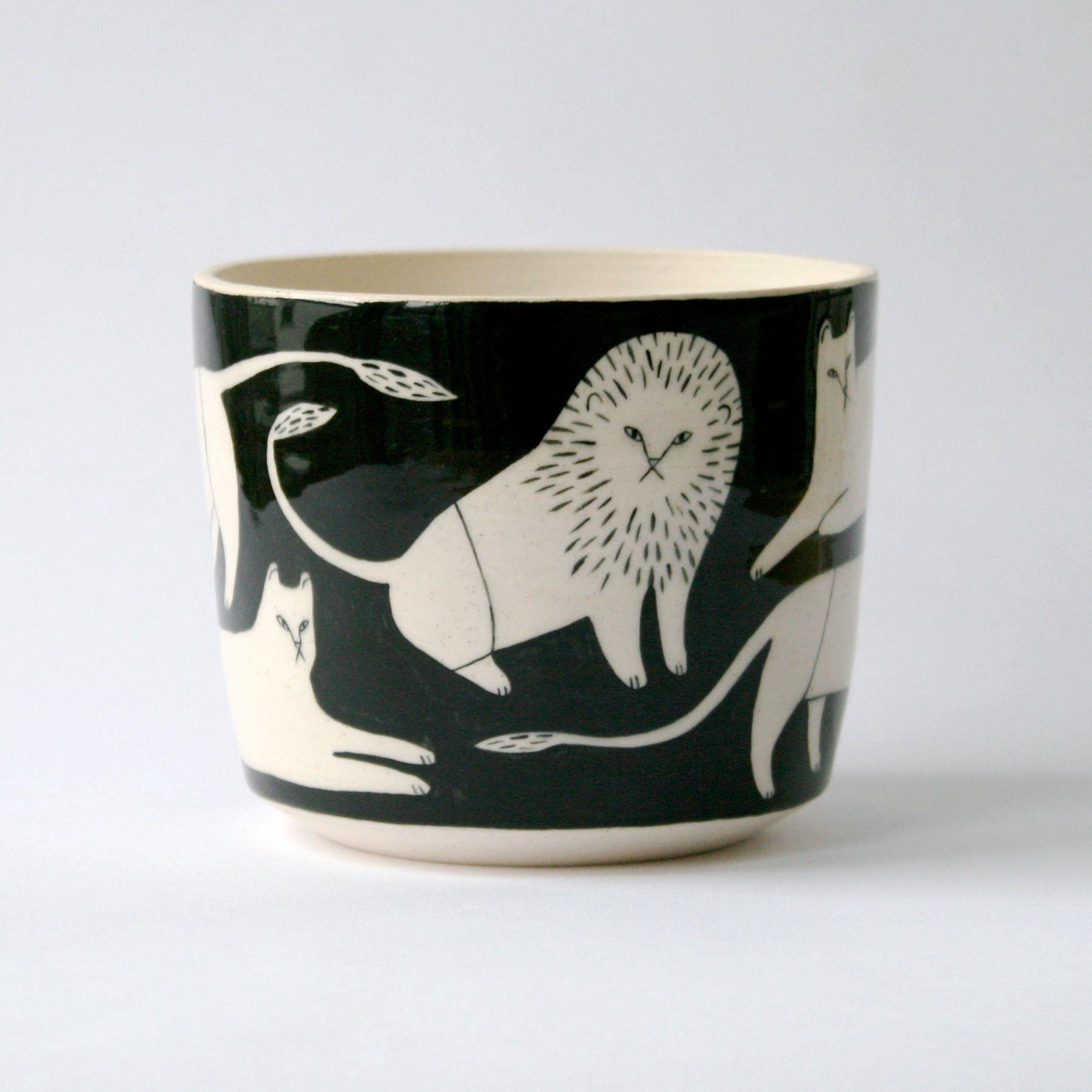 keep company lion pot. Black Bedroom Furniture Sets. Home Design Ideas