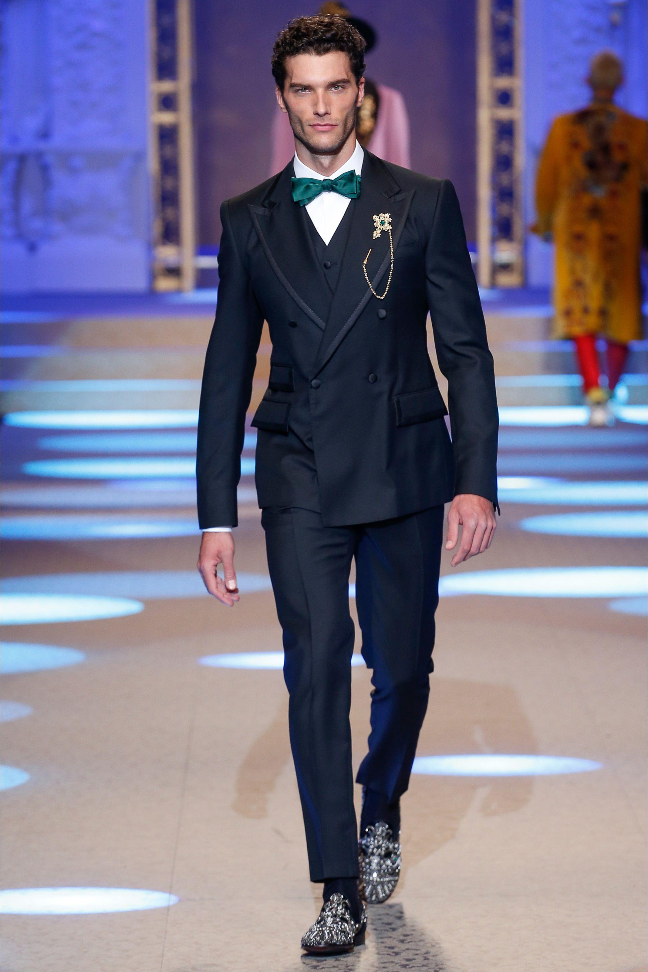 Vestiti Eleganti 2018 Uomo.Sfilata Moda Uomo Dolce Gabbana Milano Autunno Inverno 2018 19