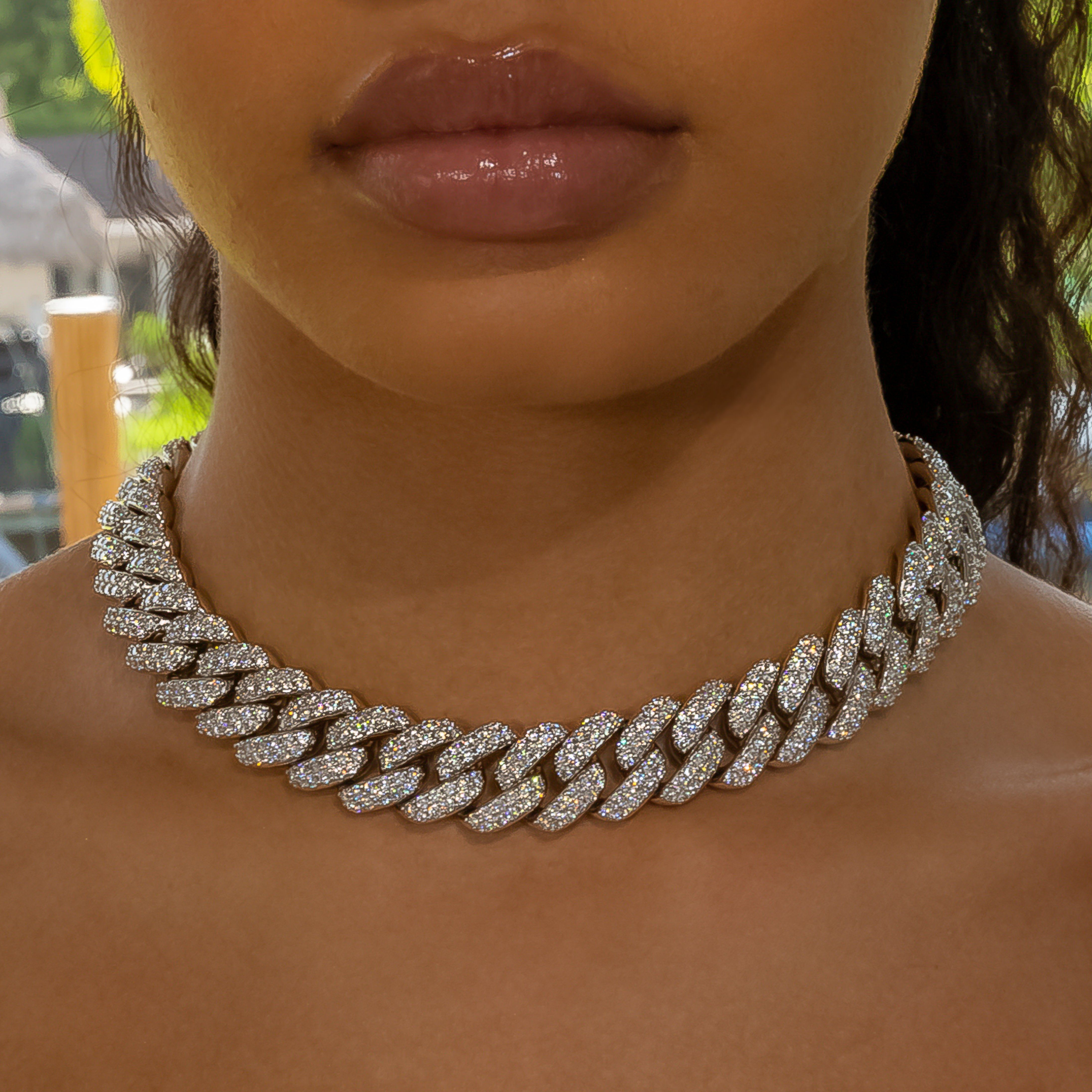18mm White Gold Flower Set Cuban Link Necklace In 2021 Cuban Link Necklace Link Necklace Chain Necklace Outfit
