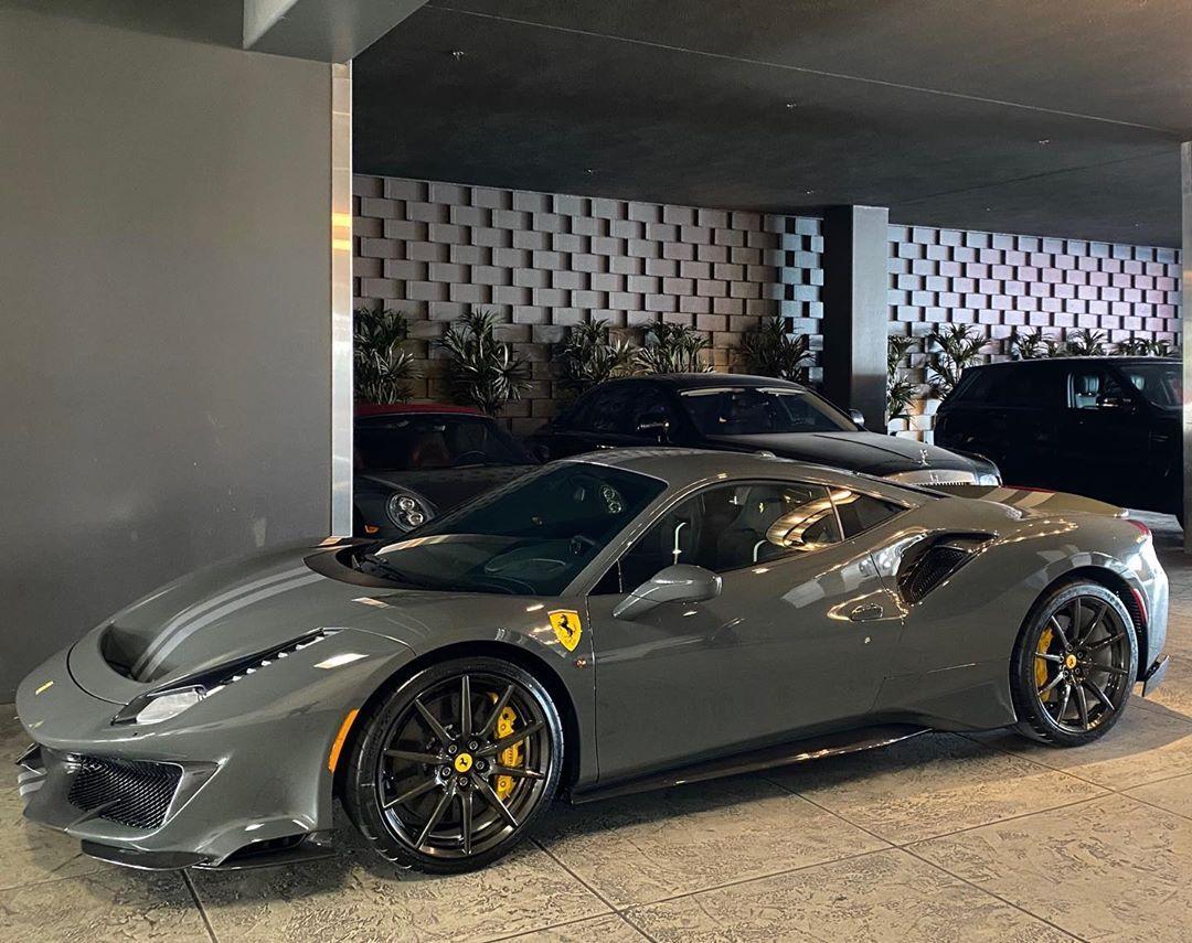 Ddwcarsinaz On Instagram Grigio Scuro With Carbon Fiber Wheels Ferrari 488 Ferrari Car Best Luxury Cars
