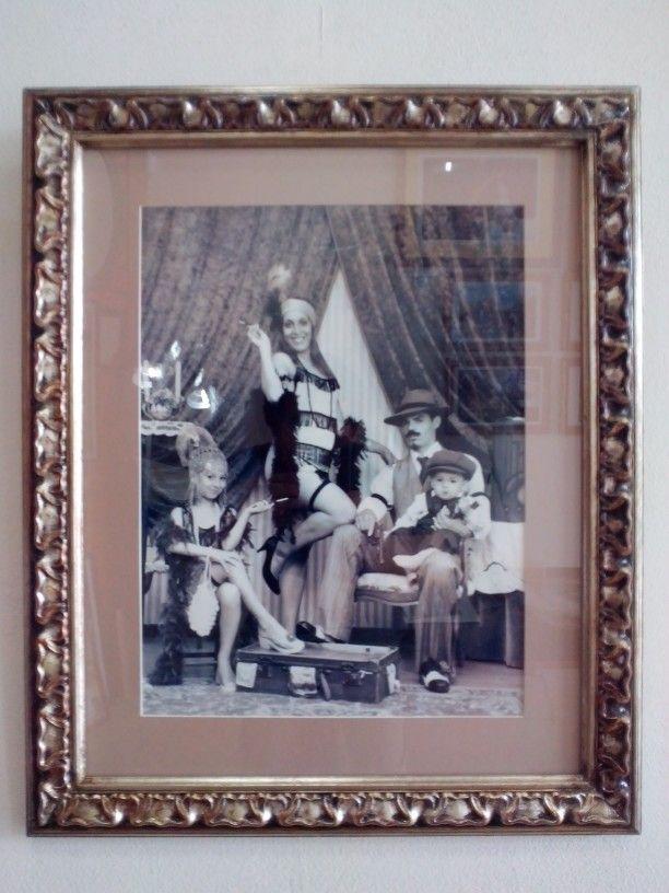 Enmarcado de Fotografía Artística, con Marco Plateado a la Hoja Antiguo
