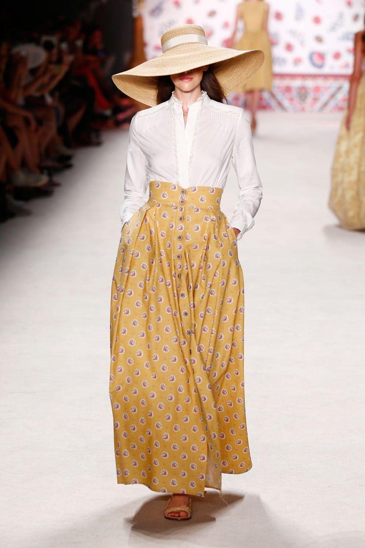 d937d8e87f9b2d Fashion Week Berlin    En Provence  br   Mit Lena Hoschek quer durch  Frankreich.