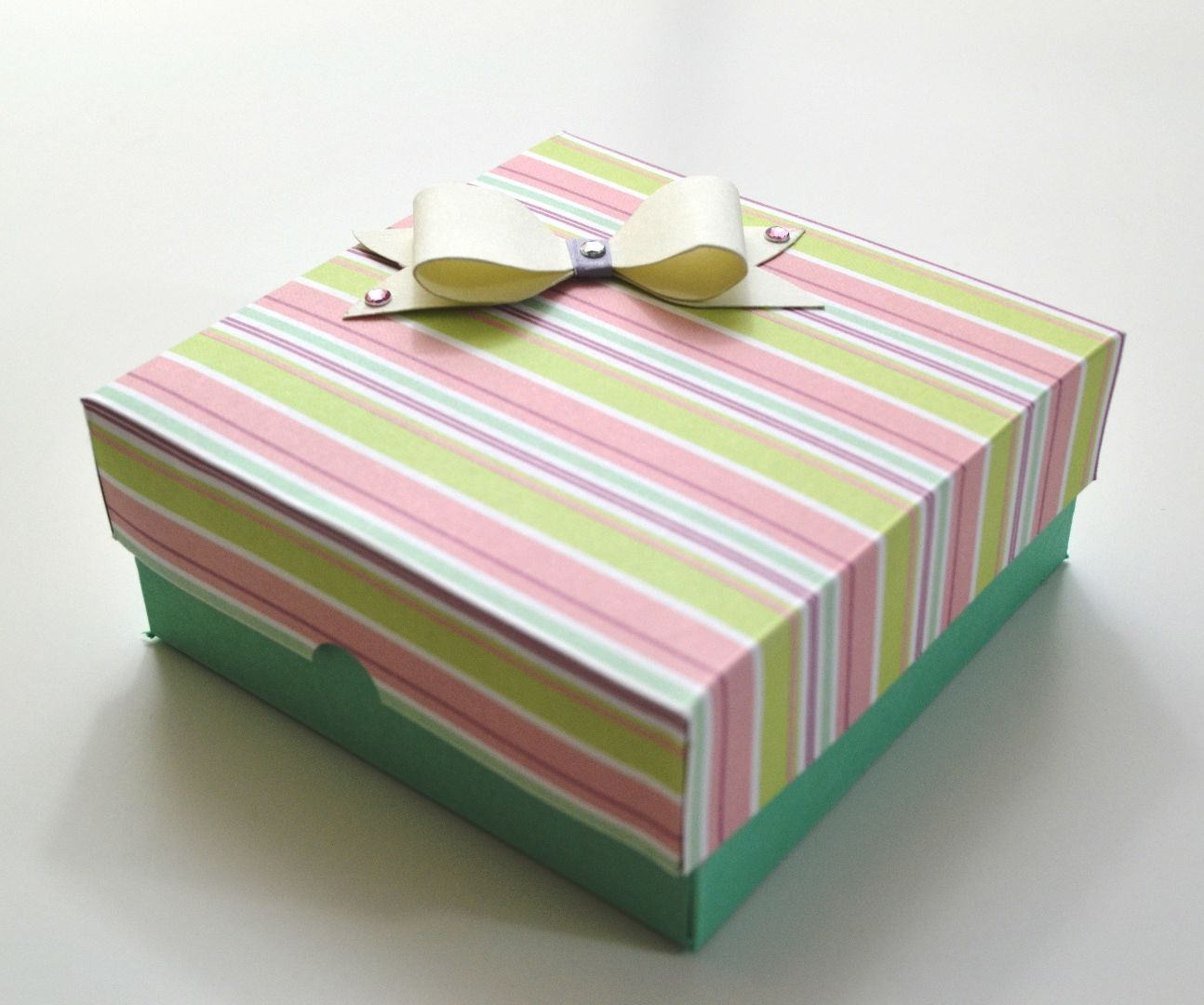 How To Make A Gift Box For Valentine S Day Diy Paper Crafts Valentines Gift Box Valentine S Day Diy Paper Crafts Diy