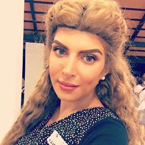 سناب شات غدير السبتي ممثلة كويتية وهي أستاذة لمادة التمثيل في المعهد العالي Targaryen Daenerys Targaryen Game Of Thrones Characters