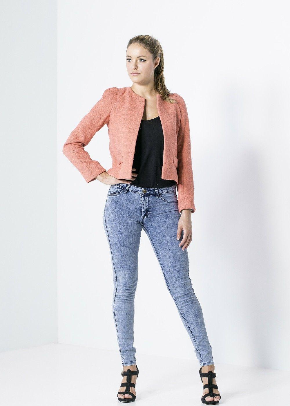 VESTE TISSU STRUCTURÉ via creationbiijoux123. Click on the image to see more!e-shop http://creationbiijoux123.tictail.com/ #ootd #outfit #coat #veste #mode #fashion #tenuedujour #tenue #creationbiijoux123 #pink