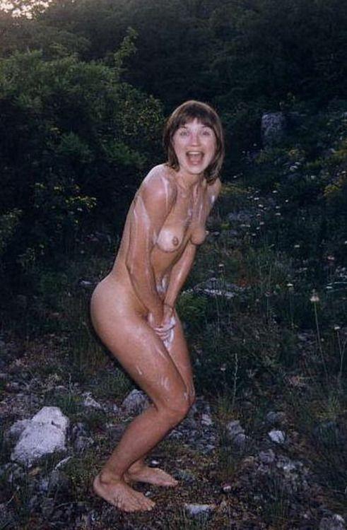 caught Amateur naked gf