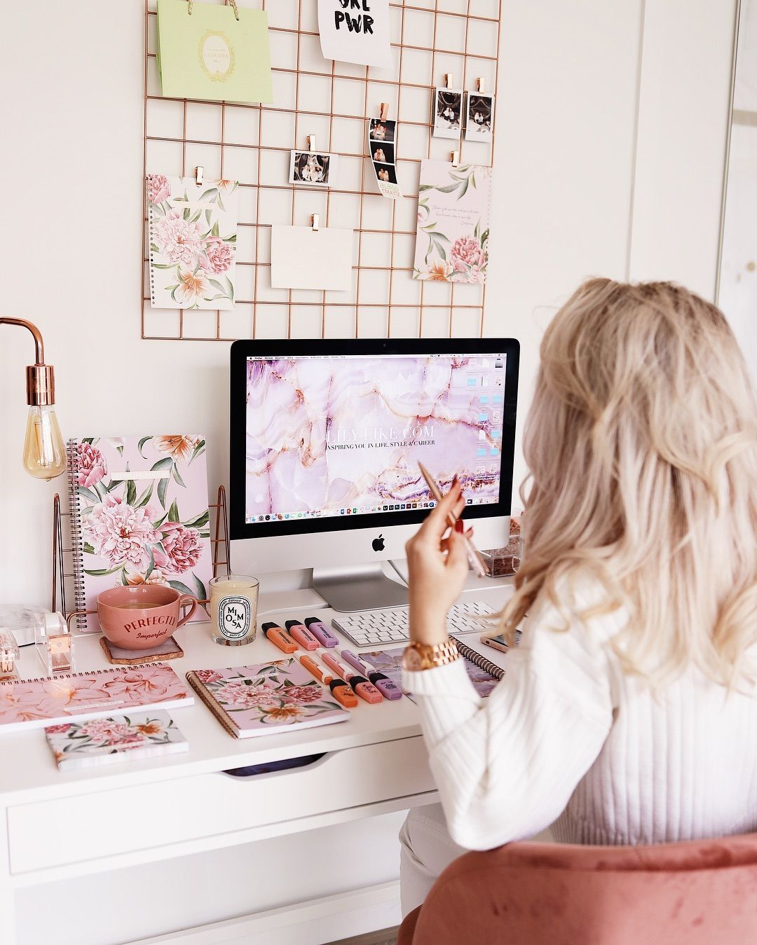 Lilia Lily Like On Instagram Hey Lovelies How Is Black Friday Treating You I M Excited To Share That My Stationery Websh Lily Instagram Gallery Wall