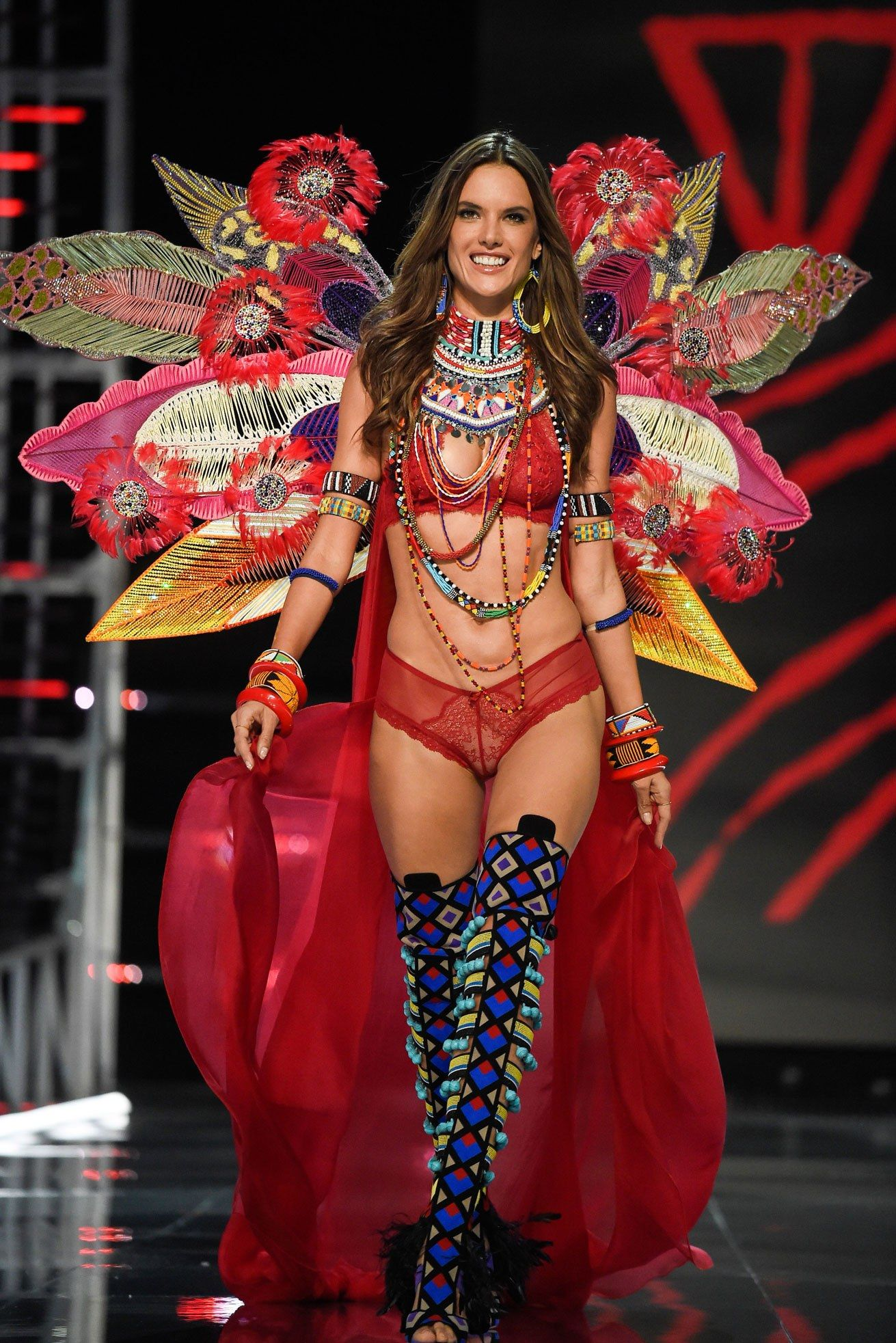 ce3655408a Retiring 17 year veteran VS Angel Alessandra Ambrosio closes the 2017 VSFS  with her last walk on the famous VS runway. Ale will be greatly missed  3
