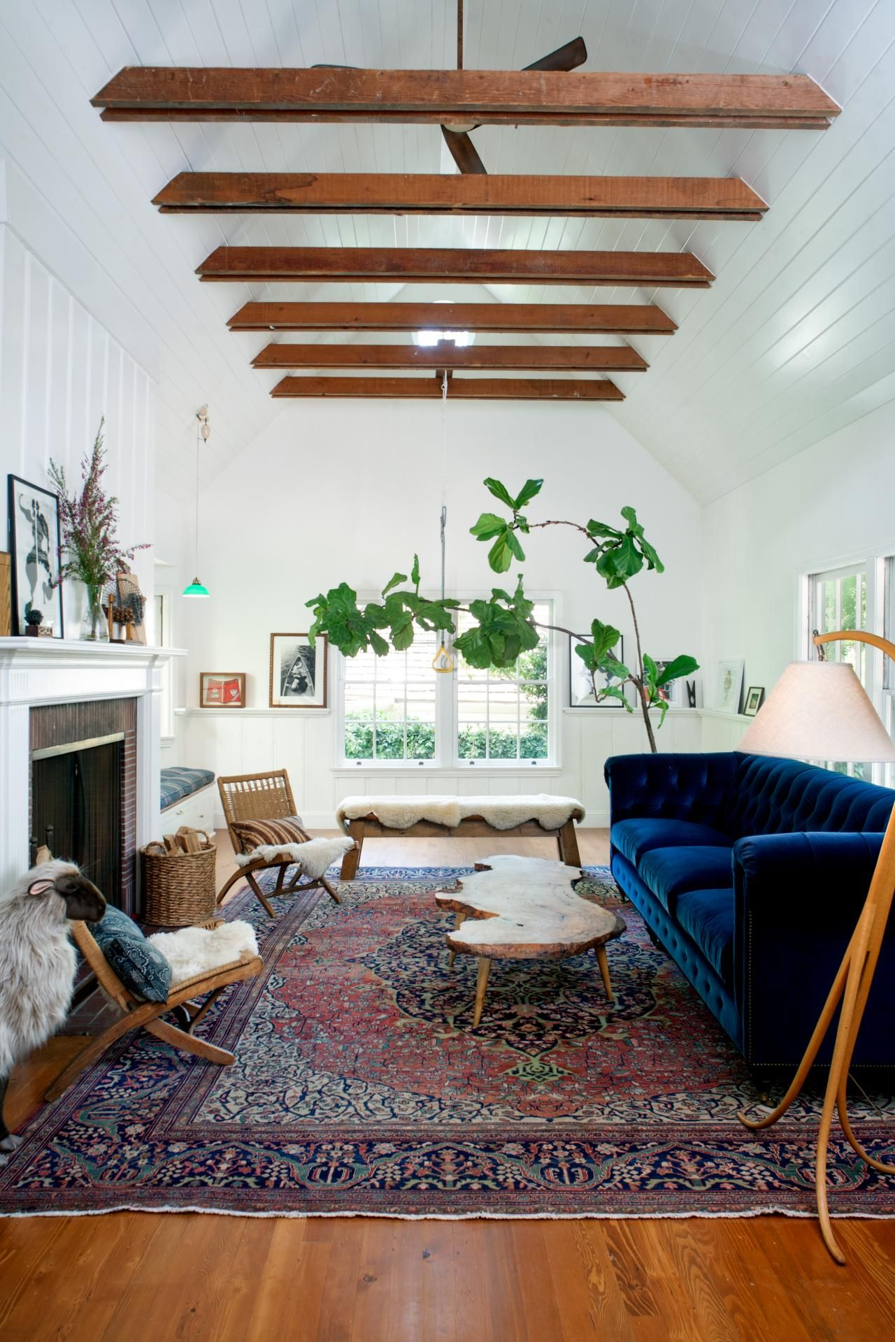 Perfect HGTV.com Shows You How Blue Velvet Furniture, Ranging From Indigo To  Sapphire, Works In Any Room. Get Inspired On How To Use This Design Trend  In Your Own ...