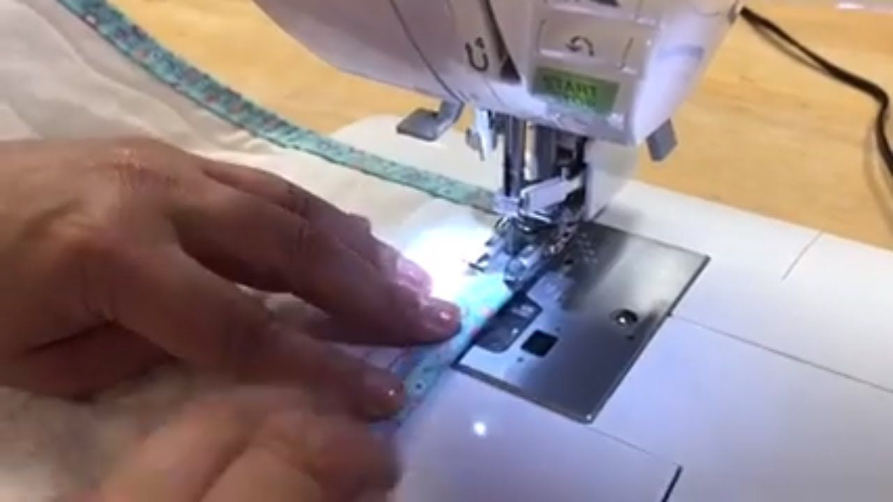 Binding a quilt tutorial quilting youtube in 2020