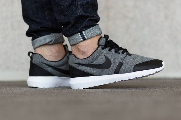 brand new 65cf9 f07fb Nike Roshe Run NM Fleece TP Tech Pack. Nike Roshe Run NM Fleece TP Tech  Pack Basket Homme, Chaussures ...