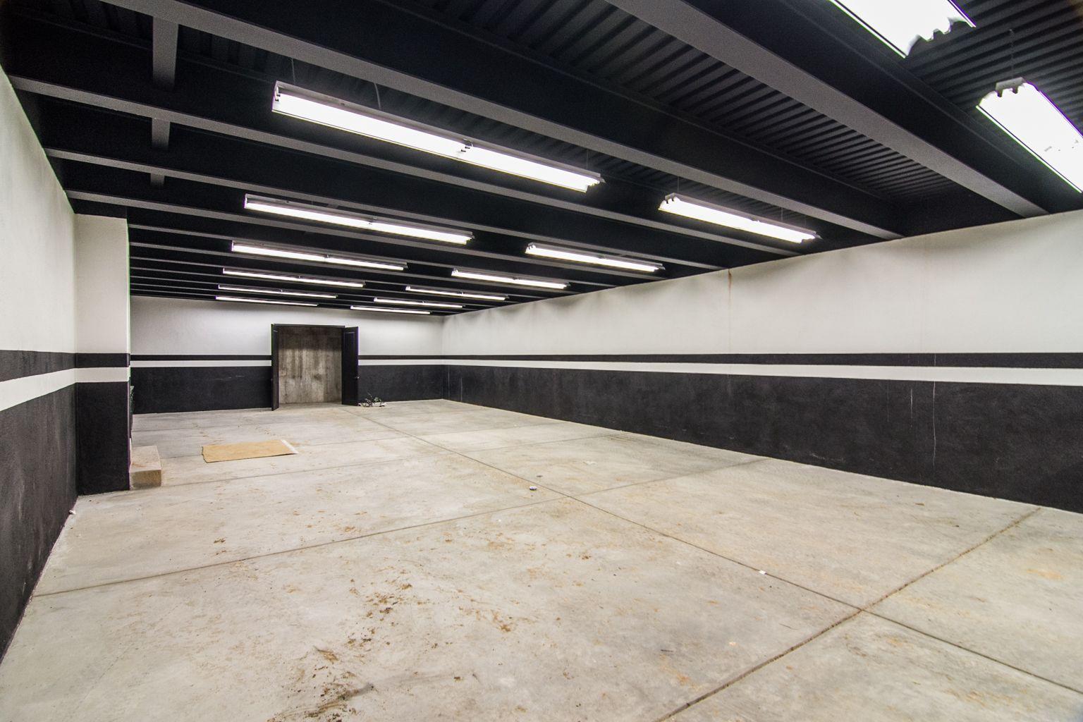 Garage Painting Idea Black Ceiling Garage Interior
