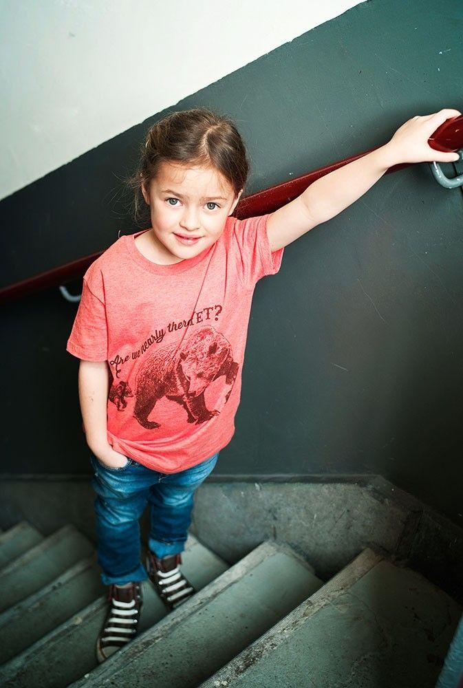 """T-shirt enfant bio rouge """"Lion"""" - Lion of Leisure - Milk&Green"""