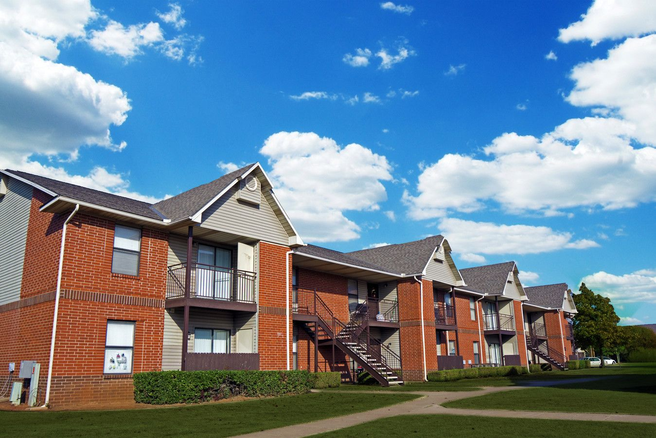 Coffee Creek Apartments Edmond Oklahoma In 2020 Image House Apartment Edmond Oklahoma