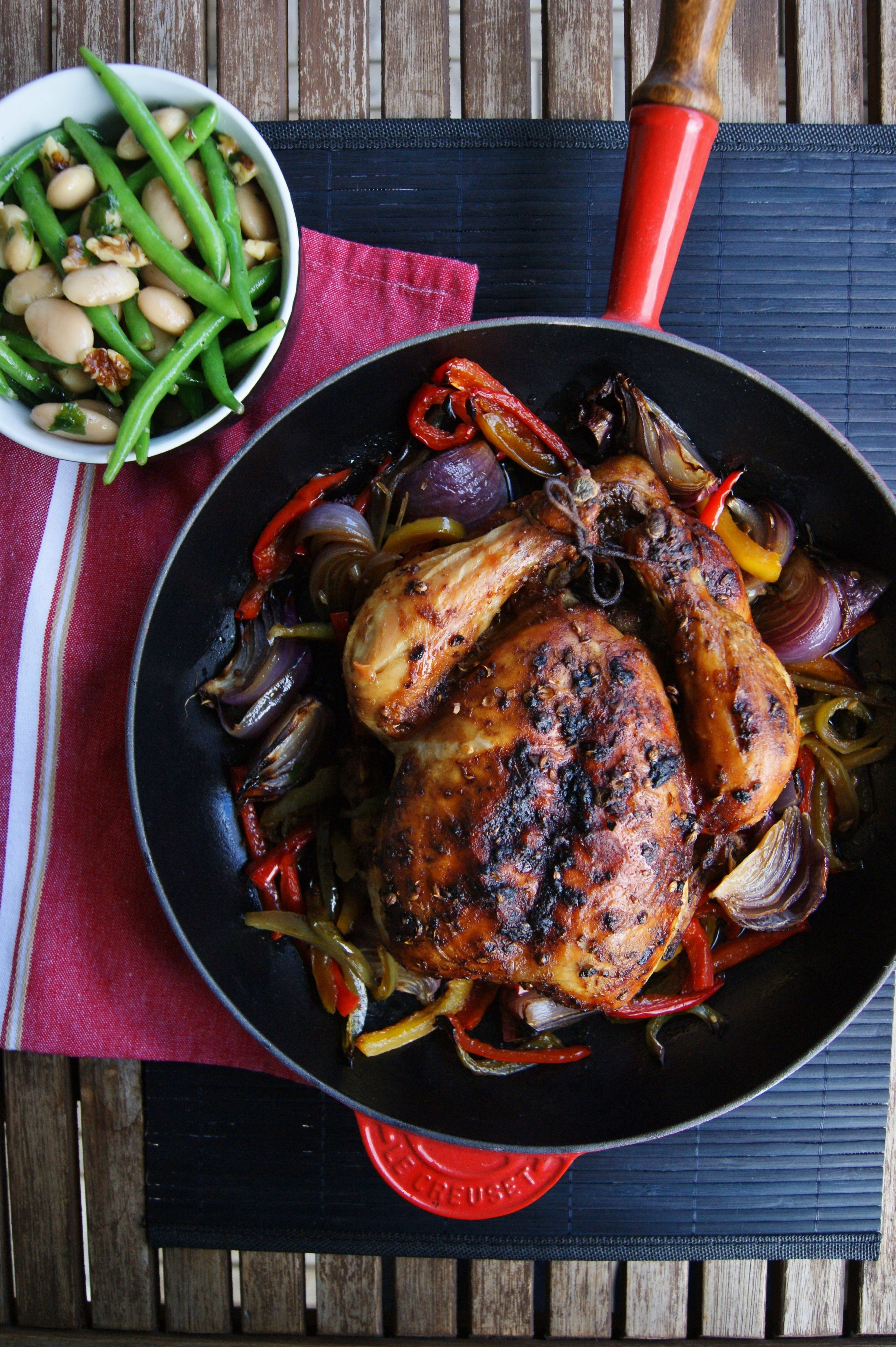 Whole roasted Coriander chicken. With bell peppers and onion by/ myfoodpassion.net