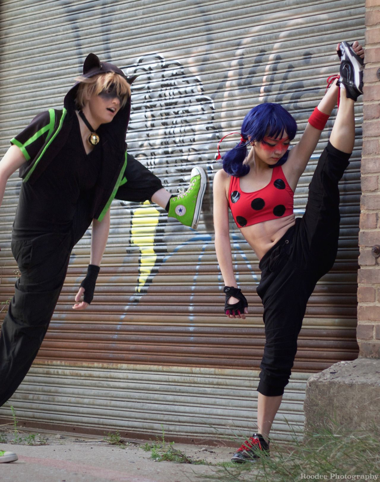 isaisanisa:  Miraculous Moves– based on @starrycove's Miraculous Ladybug breakdance AU  [Ladybug][Chat][Photo]