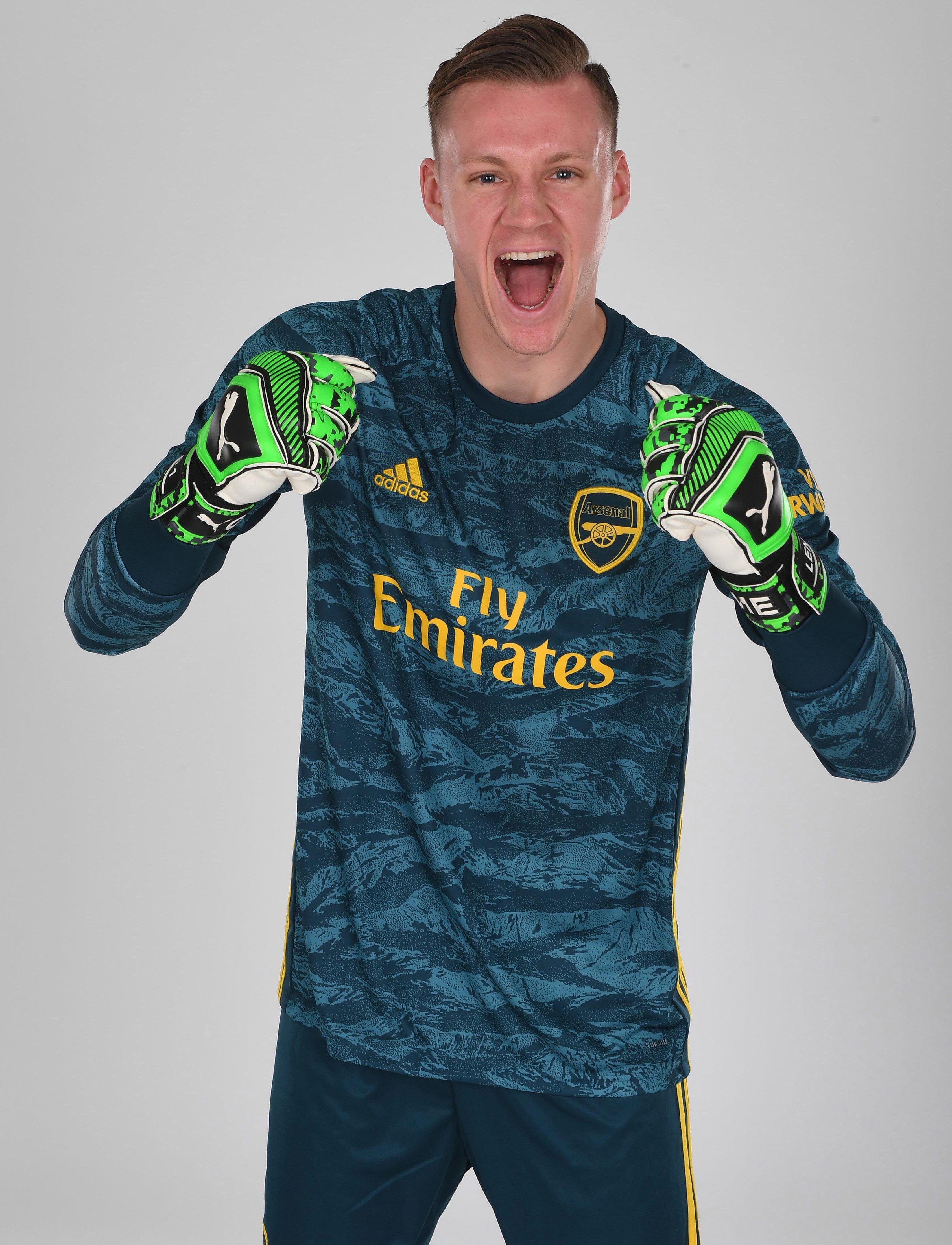 19 20 Arsenal Goalkeeper Green Long Sleeve Jerseys Shirt Long Sleeve Jersey Shirt Jersey Shirt Long Sleeve Jersey
