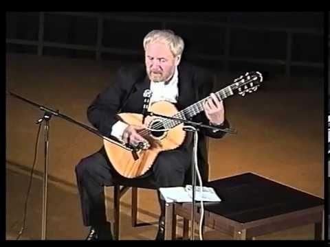 """Александр Дольский, концерт в Риге, 1996 год. Из архива """"СМ-видео"""" (Евге..."""