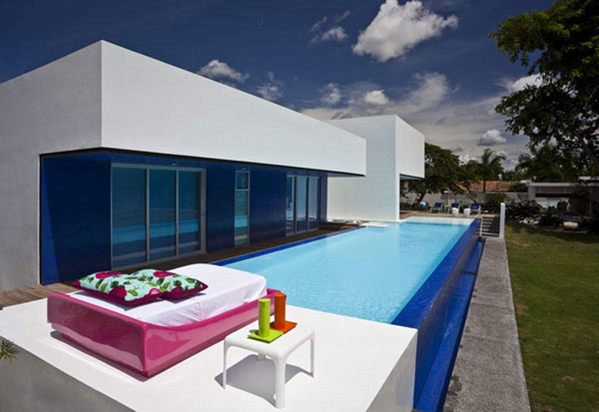 contemporary country house with fresh outdoor pool design photo contemporary country house with fresh outdoor
