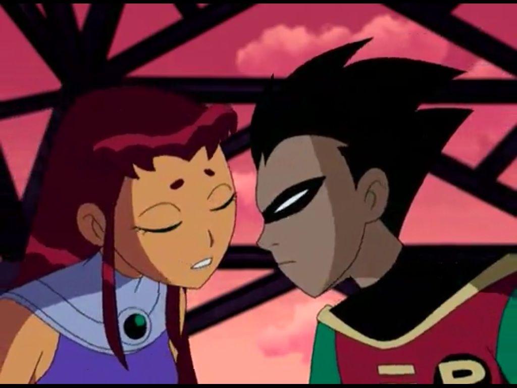 Starfire Kisses Robin