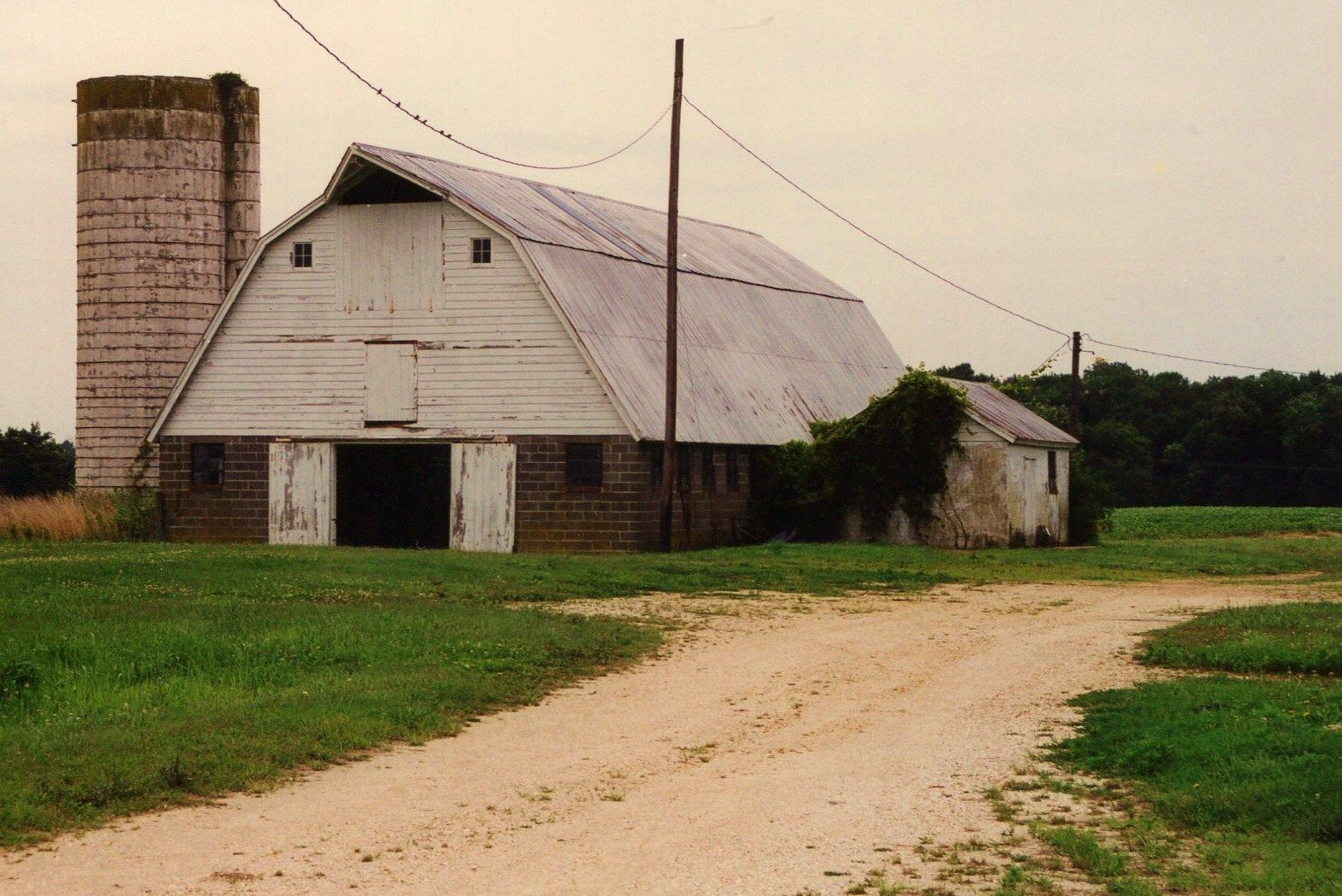 Our Old Dairy Barn I Would Love To Convert Old Barns House Styles Horse Barns