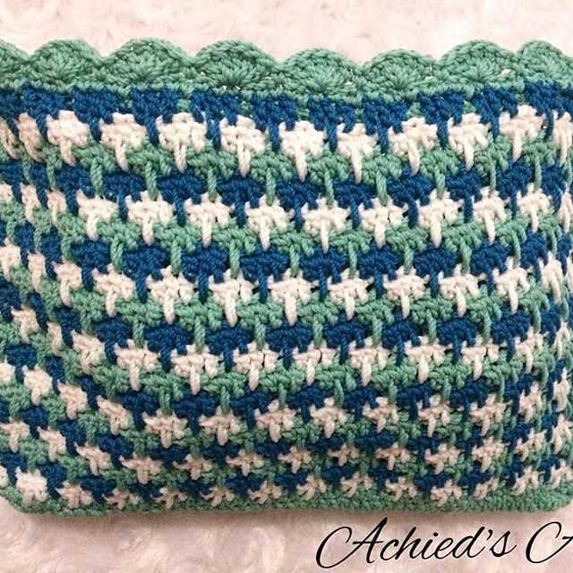 😊👌🏻 done Alhamdulillah #achiedcrochetsincefeb2016 #crochet #havefunwithyarn #crochetindonesia #crochetaddicted #crocheting #crochetingisfun #crocheteveryday #larksfootstitch #crochetpurse #dompetrajut #handmade #benangrajut