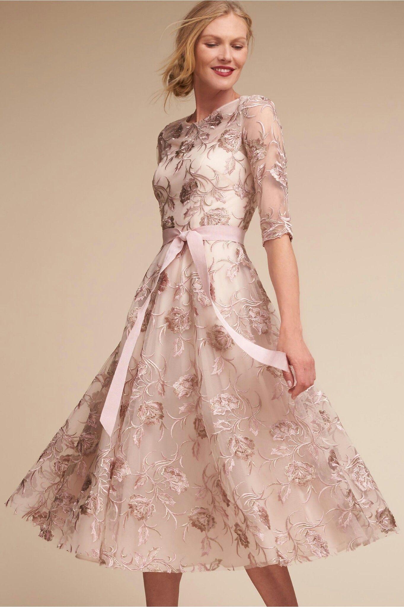 Pin de jialing en 禮服 | Pinterest