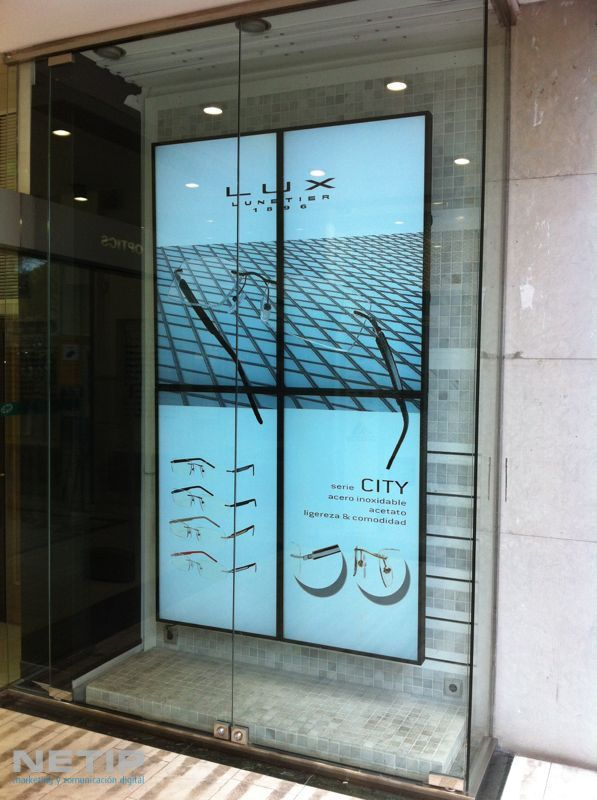 Cottet Videowall NETIP - Showcasing glasses in the retail setting. #Doohdas