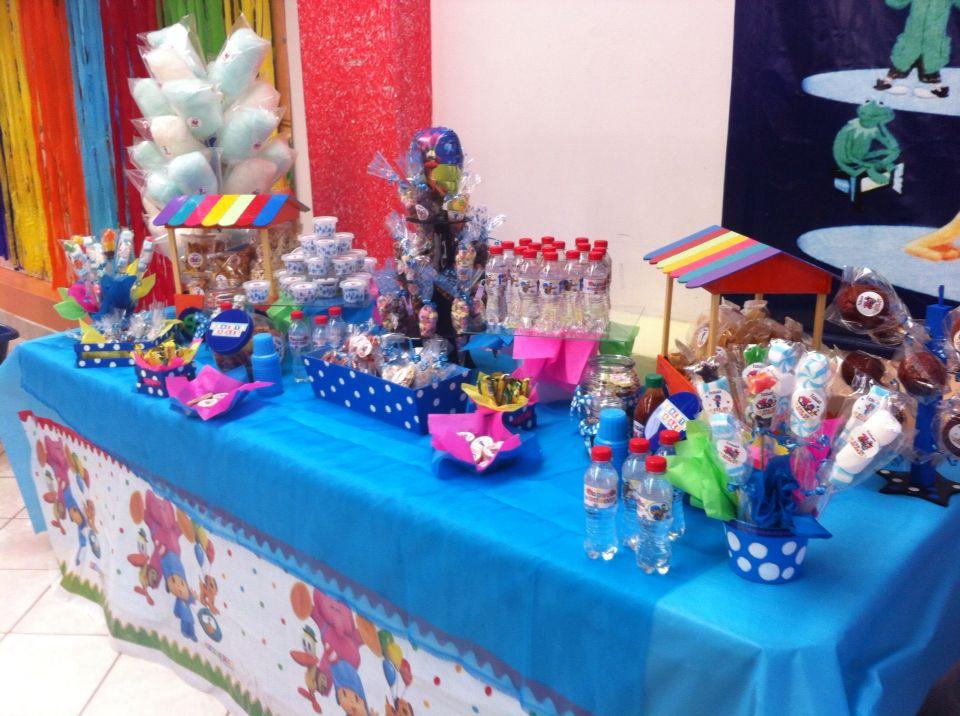 Pocoyo mesa de dulces decoraciones mesa de dulces for Decoracion de mesas dulces infantiles