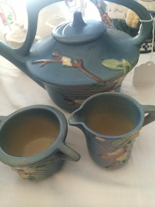 """Roseville """"Snowberry"""" teapot, creamer, & sugar  New Divide & Conquer sale starting this Thursday, March 3-5; check out the details here:  http://divideandconquerofeasttexas.com/nextsales.php  #estatesales #consignments #consignment #tyler #tylertx #tylertexas #organizing #organizers #professionalorganizer #professionalorganizers #movingsale #movingsales #moving #sale #divideandconquer #divideandconquerofeasttexas #divideandconquereasttexas #marthadunlap #martha #dunlap"""