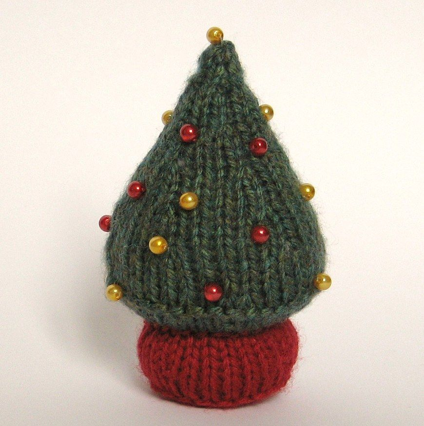 Tutorial - Little knitted Christmas Tree @ fluff and fuzz