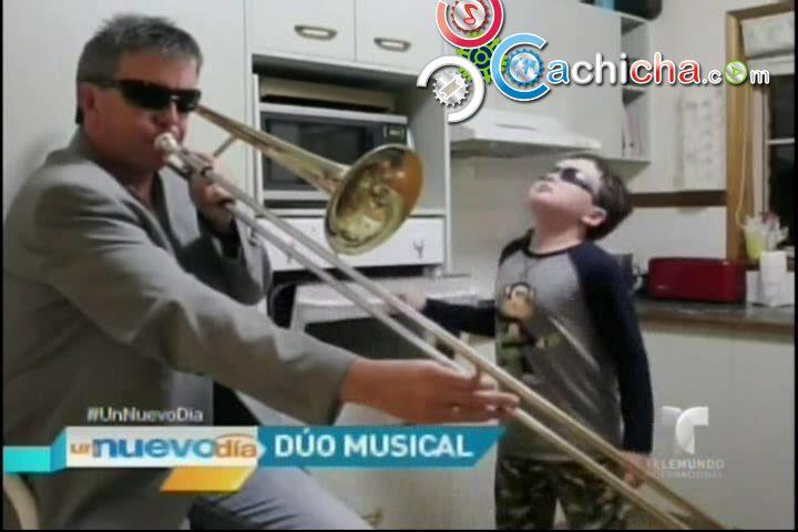 Dúo Musical: Padre Toca El Trombón Y El Hijo El Horno #Video