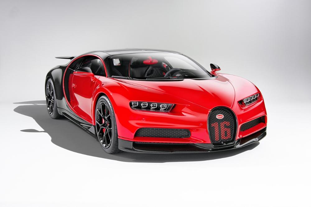 Photo BUGATTI Bugatti Chiron, giperkar Coupe Red Cars Metallic